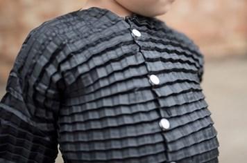 Công nghệ 360: Phát minh ra bộ quần áo co dãn có thể lớn lên cùng trẻ