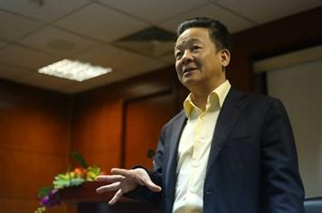 """""""Bầu"""" Hiển: Tôi đã yêu cầu Man City đưa đội hình mạnh nhất sang Việt Nam"""