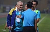 Đòi đánh trọng tài, HLV Thanh Hoá chỉ bị đình chỉ 2 trận