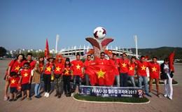 Chùm ảnh: CĐV Việt Nam tại Hàn tiếp lửa cho tuyển U20
