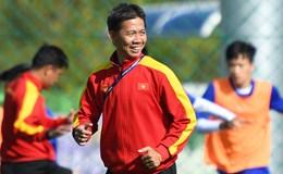 """HLV Hoàng Anh Tuấn tái xuất trên """"ghế nóng"""" U18 Việt Nam"""