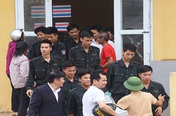 Video: Người dân Đồng Tâm trả tự do cho 19 cán bộ chiến sĩ