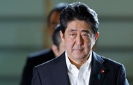 Nóng nhất hôm nay: Giữa cơn khủng hoảng, Thủ tướng Abe thay một loạt bộ trưởng
