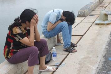 Vụ chìm tàu tại TPHCM: Chắp tay khấn trời đất phù hộ!