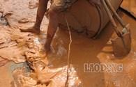Kinh hoàng lũ bùn đỏ do vỡ moong khai thác titan