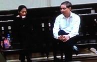 Dương Chí Dũng nói chuyện với vợ trước phiên xử chiều 23.4