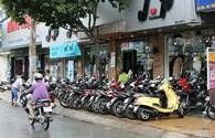TP.HCM: Vỉa hè các quận vẫn bị lấn chiếm làm nơi kinh doanh, giữ xe