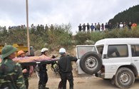 Giây phút được cứu thoát, 12 công nhân hoảng loạn vì quá sung sướng