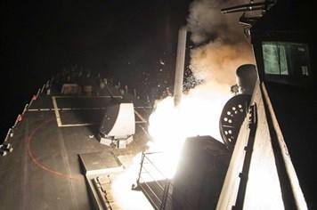 Nhìn lại toàn cảnh vụ Mỹ phóng 59 tên lửa tấn công căn cứ quân sự Syria