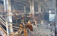 Lửa vẫn âm ỷ cháy tại TTTM Hải Dương
