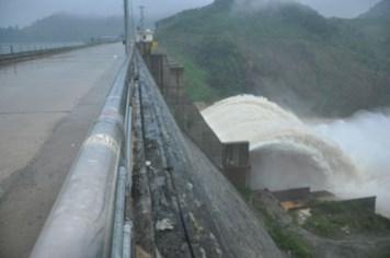 Đối phó với bão số 11: Miền Trung bắt đầu xả lũ các hồ thủy điện