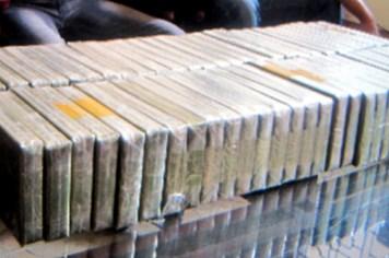 """Vụ vận chuyển 229kg heroin quá cảnh qua sân bay Tân Sơn Nhất: Lượng heroin """"khủng"""" lên máy bay bằng cách nào?"""