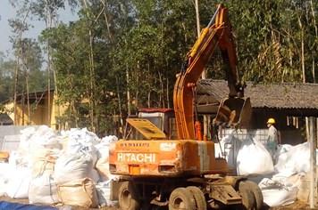 Vụ chôn thuốc trừ sâu ở Thanh Hóa: Đã khai quật hơn 843 tấn chất độc