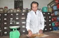 Bài thuốc chữa viêm tắc mạch chi và chữa hóc xương của lương y học nghề trên chiến trường