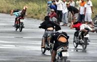 TPHCM: Ra quân chống đua xe đêm bán kết  tuyển Việt Nam - Malaysia