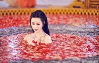 Phạm Băng Băng lộ ảnh tắm trong phim Võ Tắc Thiên