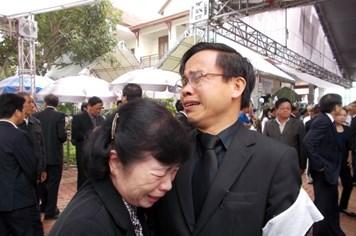 Chùm ảnh: Nghẹn ngào lễ truy điệu ông Nguyễn Bá Thanh