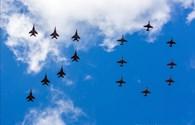 Chiến đấu cơ Nga biểu diễn trên bầu trời mừng Ngày chiến thắng