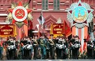 """Xem dàn vũ khí """"khủng"""" diễu hành hoành tráng trước lễ kỷ niệm Ngày chiến thắng"""