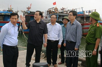 Bão số 14: Hai phó thủ tướng trực tiếp chỉ đạo sơ tán dân