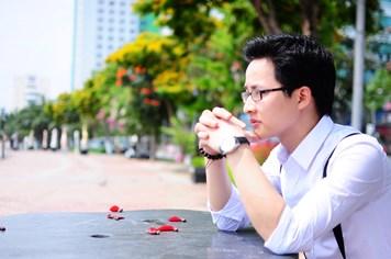 """Thầy giáo """"hot boy"""" Lại Tiến Minh: Luyện thi đại học khó nhất là làm hài lòng sĩ tử"""