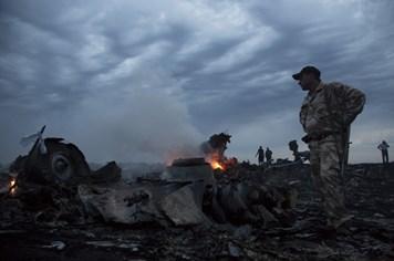 Đã tìm thấy 121 người thiệt mạng trong vụ rơi máy bay Malaysia