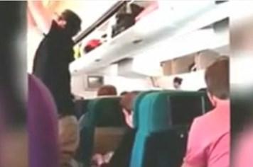 Clip: Hình ảnh cuối cùng được cho là bên trong máy bay xấu số MH17