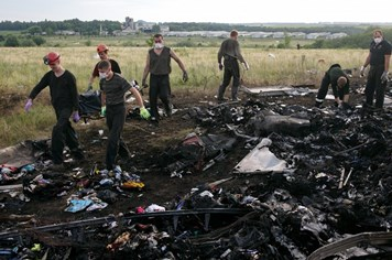 Hé lộ nguyên nhân vụ rơi máy bay thảm khốc MH17