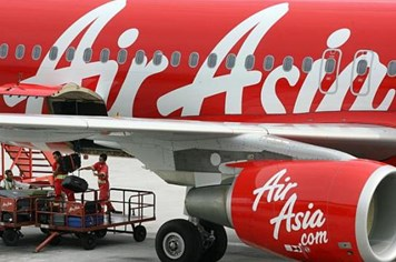 CEO AirAsia khẳng định QZ8501 được phép bay tuyến Surabaya-Singapore