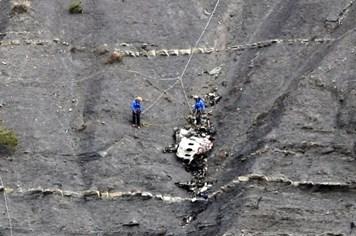 Vụ máy bay Đức đâm vào dãy Alps: Đã nhận dạng tất cả nạn nhân