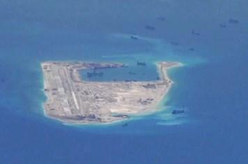 """Malaysia mạnh mẽ công kích Trung Quốc về """"đường chín đoạn"""""""