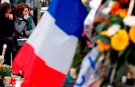 Cổ vũ khủng bố Paris, thiếu niên 18 tuổi ngồi tù