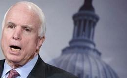Thượng nghị sĩ McCain chỉ trích ông Trump khi so sánh Mỹ và Nga