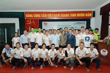 Chuyên gia dinh dưỡng Herbalife Nutrition tiếp thêm sức mạnh  cho VĐV Việt Nam tham gia SEA Games 29