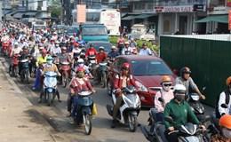Hàng nghìn phương tiện kẹt cứng ngay cửa ngõ Nha Trang