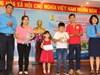 Công đoàn KKT-KCN Khánh Hòa: Tặng heo tiết kiệm cho gia đình công nhân