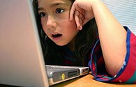 Nhiều mối nguy đối với trẻ dùng internet
