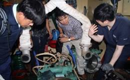 """18 tàu vỏ thép bị hư hỏng: Đừng để vụ việc """"chìm tàu"""" dưới những con sóng đại dương!"""