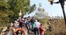 Hàng vạn phật tử đổ về chùa Phật Tích dự lễ hội đầu năm