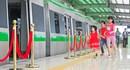 [Chùm ảnh] Hà Nội: Dân tò mò, nườm nượp tham quan nhà ga đường sắt trên cao