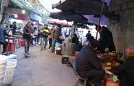 Hà Nội: Quán ăn lấn ngõ phố để kinh doanh