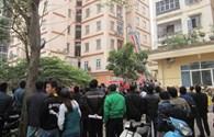 Hà Nội: Chung cư 11 tầng bốc cháy, một cụ già suýt chết