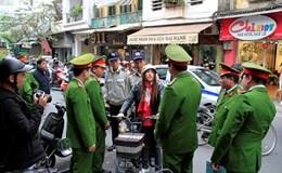 Nữ chủ quán khai lý do đâm cán bộ phường đi dẹp vỉa hè