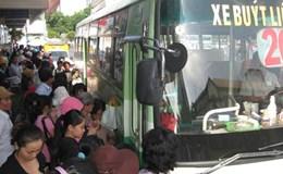 """Học sinh """"méc"""" Bí thư Đinh La Thăng về xe buýt không thích phục vụ học sinh"""