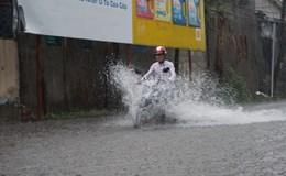 TPHCM: Mưa lớn chiều cuối tuần, nhiều tuyến đường ngập nặng