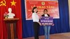 LĐLĐ tỉnh Bình Dương thăm hỏi, tặng quà cho đoàn viên tại huyện đảo Lý Sơn