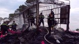Đắk Lắk: Lửa thiêu trụi xe tải chở vải