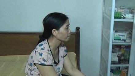 Y sĩ nghi làm lây bệnh sùi mào gà cho trẻ bị đình chỉ công tác