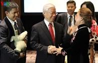Tổng Bí thư Nguyễn Phú Trọng gặp gỡ kiều bào: Hòa hợp dân tộc là xu thế tất yếu