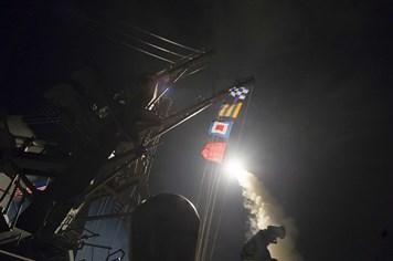 Chỉ 23 trong số 59 tên lửa Tomahawk Mỹ bắn trúng căn cứ Syria